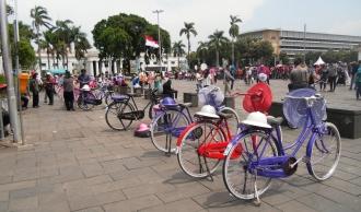Tak Perlu Meruwat Sepeda Jadul, Sewalah di Kota Tua